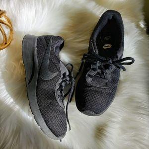 Nike   7 Tanjan sneaker all black tennis shpe